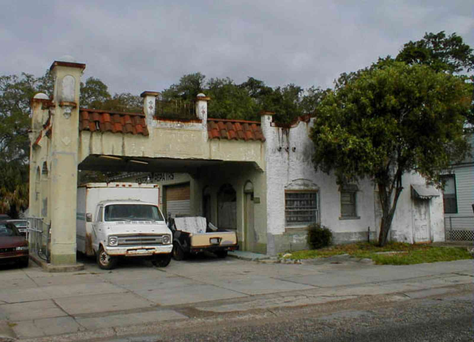 Belmont-Devillers:-Gas-Station_02.jpg:  gasoline, spanish revival architecture, service station, arch, red tile roof