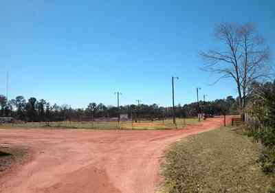 Flomaton:-Speedway_02.jpg:  dirt race track, red clay road, racing, auto race,