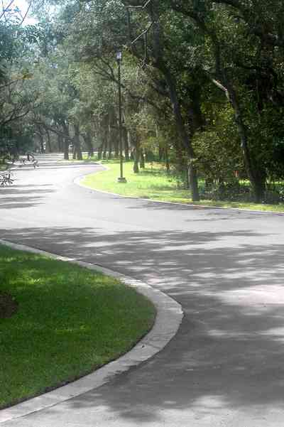 Gulf-Breeze:-Peakes-Point_01.jpg:  winding road, bayshore, development, oak trees, pensacola bay