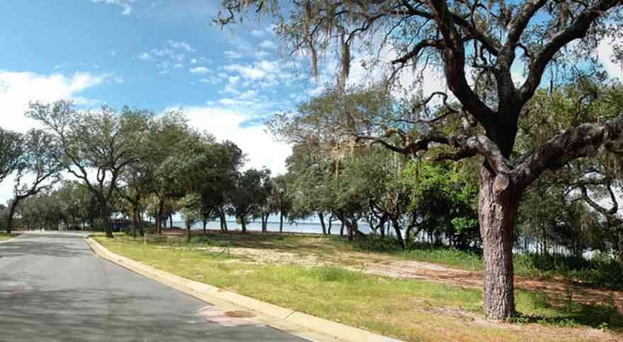 Gulf-Breeze:-Peakes-Point_04.jpg:  winding road, bayshore, development, oak trees, pensacola bay