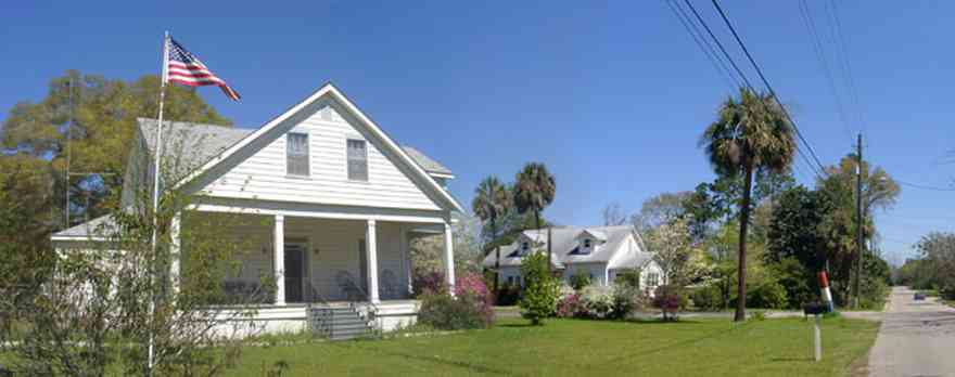 Milton:-Historic-District:-Escambia-St-House_01.jpg:  palm tree, victorian house