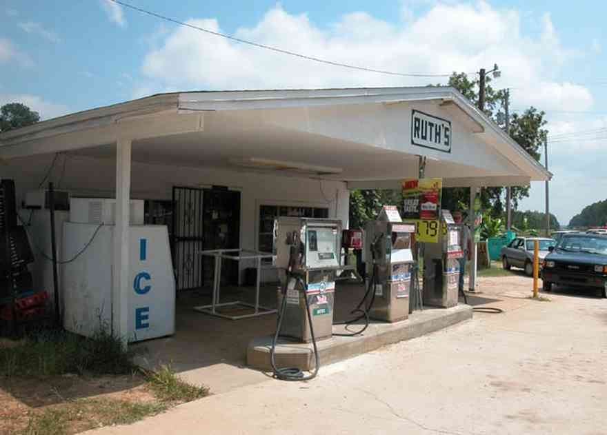 Munson:-Ruths-Grocery-Store_01.jpg:  grocery store, country store, gas pumps, ice machine, deli, quick stop, convenience store, country road