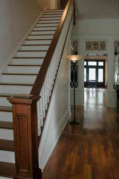 North-Hill:-116-DeSoto-St_02g.jpg:  staircase, central hall, floor lamp