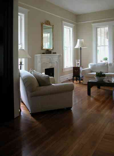 North-Hill:-116-DeSoto-St_02r.jpg:  living room, heartpine floors, open space, mirror