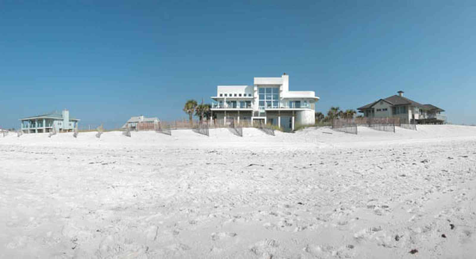 Pensacola-Beach:-Ariola-Drive-Art-Deco-House_00.jpg:  sand, crystal sand, white sand, sugar sand, sea oats, bauhaus architectural style, palm trees, dune restoration, beachfront property