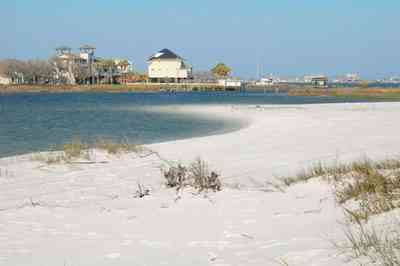 Pensacola-Beach:-Sabine-Bay_07.jpg:  beach, white sand, sabine, bay, lake, water, beach house