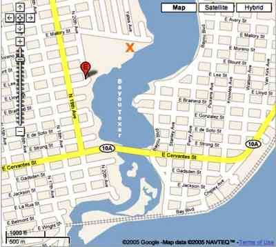 Pensacola:-Bayou-Texar_05.jpg:  bayou, texar, lake, bay, water, calm water, mansions, map, google
