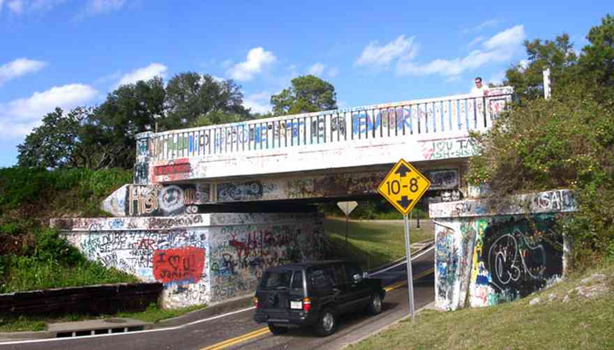 Pensacola:-East-Hill:-17th-Avenue-Underpass_01.jpg:  graffiti, tom roush, railroad crossing, van