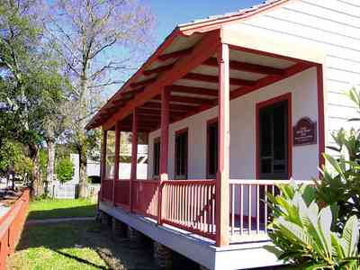 Pensacola:-Historic-Pensacola-Village:-LaValle-House_06.jpg:  colonial architecture, house museum, front porch, picket fence, church street