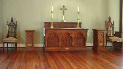 Pensacola:-Historic-Pensacola-Village:-Old-Christ-Church_11.jpg:  altar, church, candles, cross