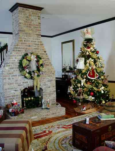 Pensacola:-Seville-Historic-District:-BW-Properties_12.jpg:  double-flue fireplace, folk victorian home, oriental silk rug