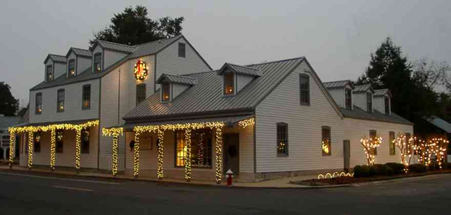 Pensacola:-Seville-Historic-District:-Kinsey,-Troxwell,-Johnson,-Walborsky-Law-Firm_03.jpg:  christmas decorations, candles, garland