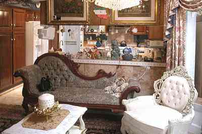 Scenic-Highway:-3780-Scenic-Ridge-Drive_02g.jpg:  french provincial furniture, coffee table, pleated drapes, kitchen, oriental rug