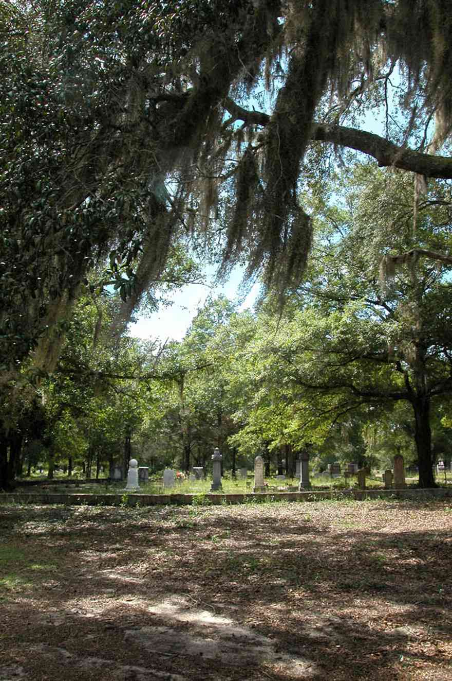 Bagdad:-Cemetery_06.jpg:  vault, memorial, cemetery, grave, graveyard, oak trees, spanish moss, haunted, ghost, memorial