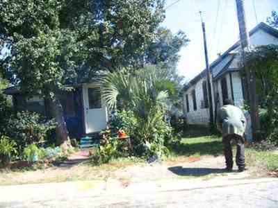 Brownsville_10.jpg:  brownsville, slum, bad, lower income, crime
