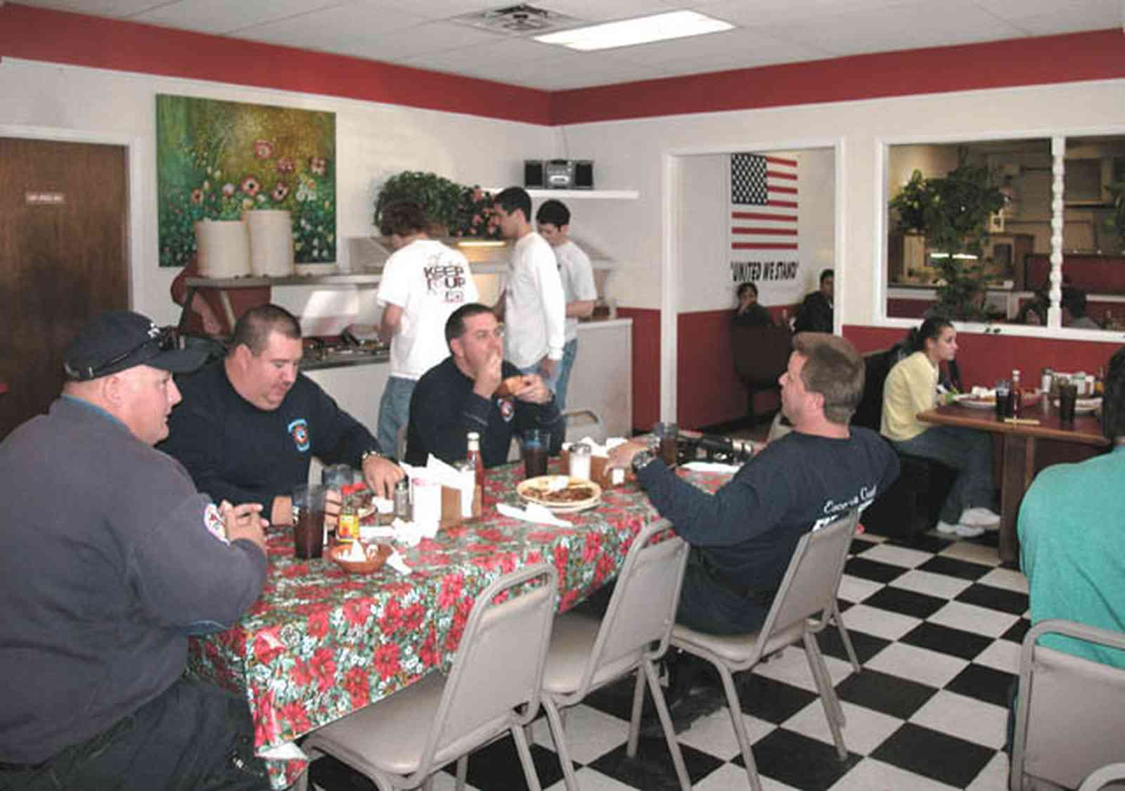 Century:-Panhandle-Restaurant_04.jpg:  dining, buffet, country dining, american flag, checked floor