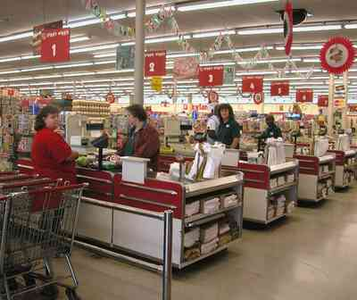 Century:-Piggly-Wiggly-Supermarket_03.jpg:  chain store, supermarket, grocery store, check-out line, conveyor belt, grocery cart