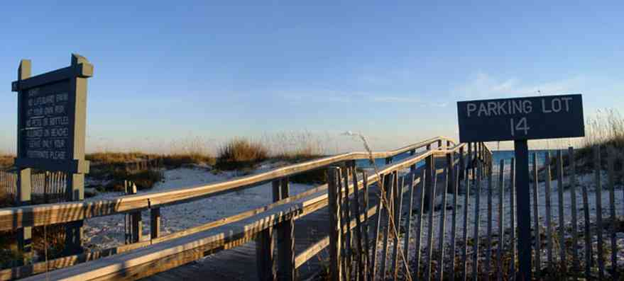 Gulf-Islands-National-Seashore:-Parking-Lot-14_01.jpg:  dunes, boardwalk, gulf of mexico
