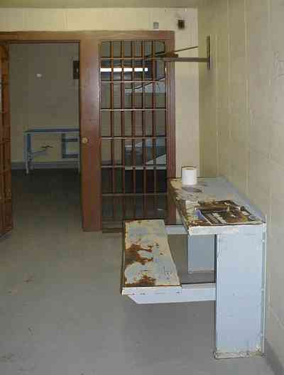 Milton:-Courthouse-Old-Jail_02a.jpg:  cell, jail, bars, prisoner, courthouse