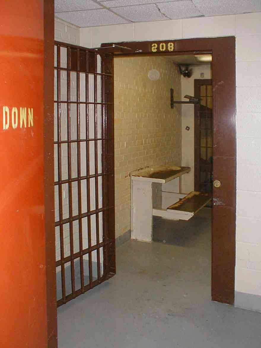 Milton:-Courthouse-Old-Jail_05.jpg:  cell, jail, bars, prisoner, courthouse