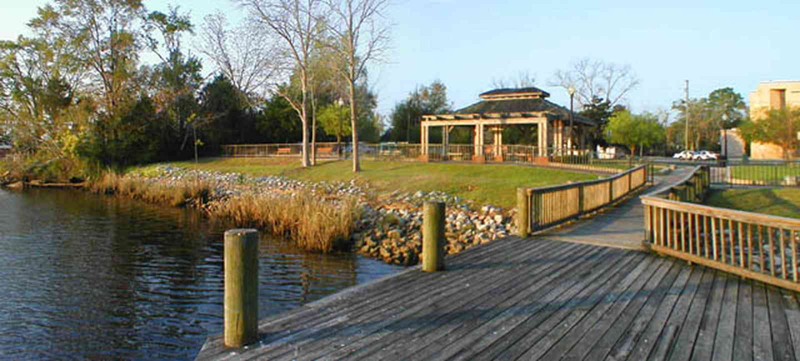 Milton:-Riverwalk_11.jpg:  blackwater river, boardwalk, park bench, wrought iron fence river birch, blackwater bridge, gazebo, boating, water sports, river channel,