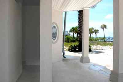 Navarre:-7332-Grand-Navarre-Blvd_61.jpg:  beach house, santa rosa sound, art deco house, outside shower, round window