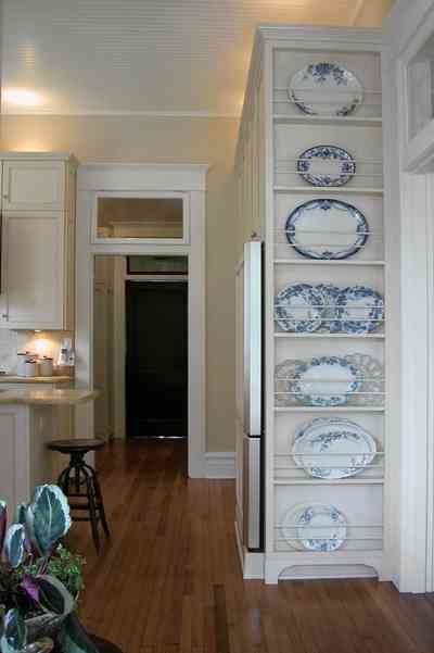 North-Hill:-116-DeSoto-St_02i.jpg:  blue willow china, dish display, heartpine floors, kitchen, door transom