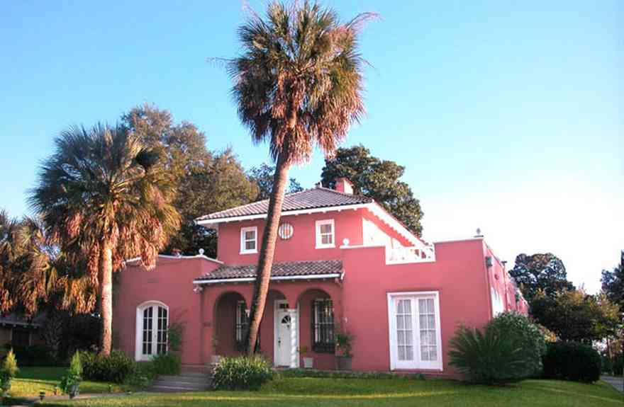 North-Hill:-123-West-Lloyd-Street_01.jpg:  spanish revival architecture, palm tree, french doors, columns