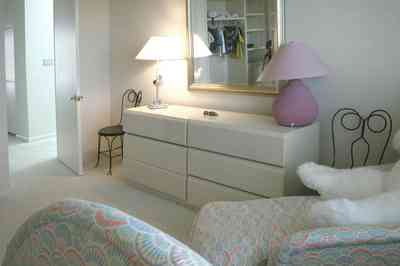Pensacola-Beach:-1212-Ariola-Drive_17.jpg:  children's bedroom, twin beds, beach house, gulf of mexico
