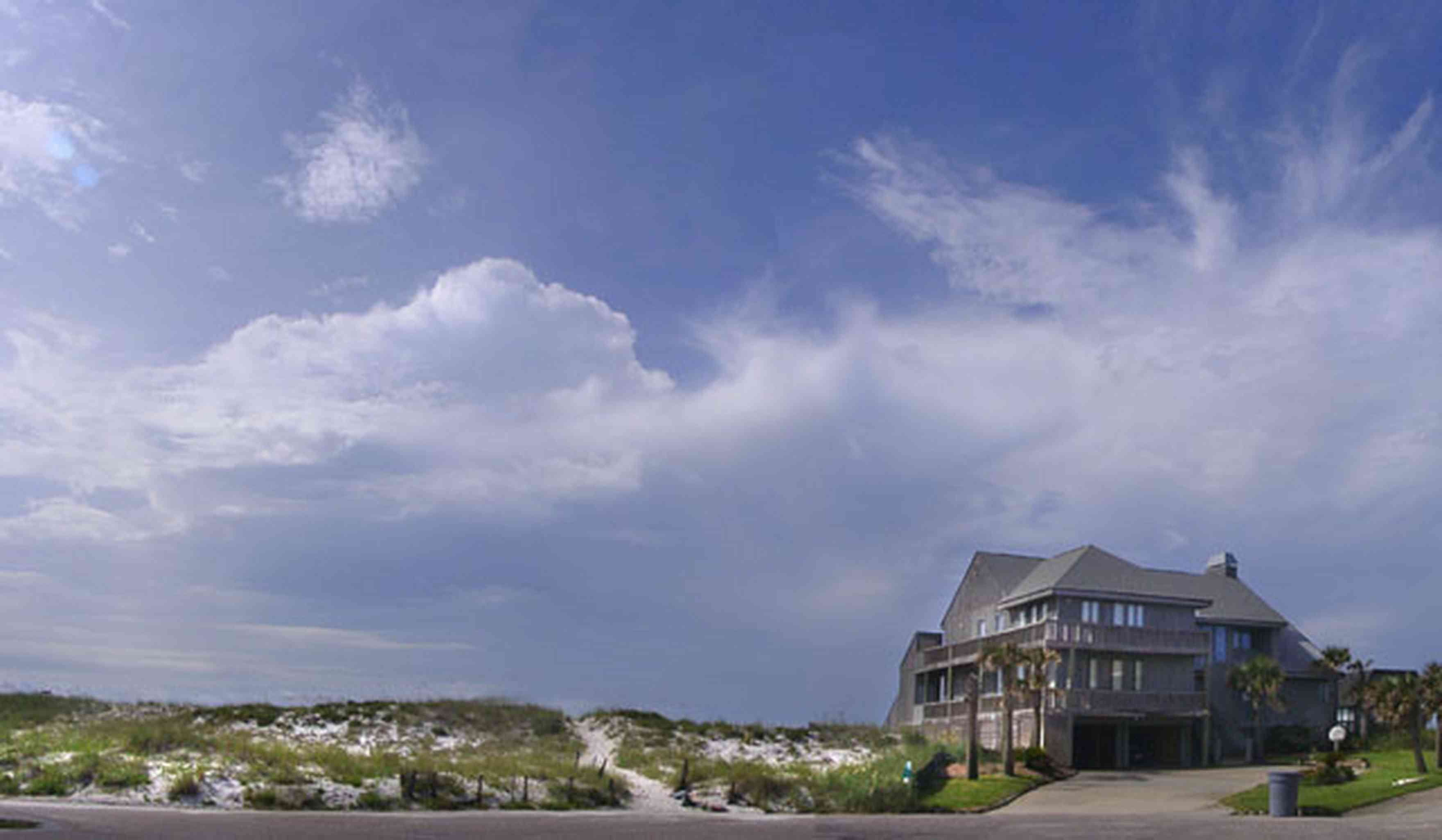 Pensacola-Beach:-Hermosa-St-Homes_01.jpg:  dunes, sea oats, beachfront homes, gulf of mexico