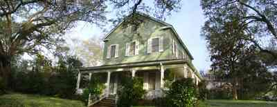 Pensacola:-East-Hill:-10th-Avenue-House_02.jpg:  shutters, porch, oak trees, farm house,
