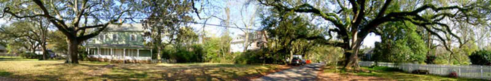 Pensacola:-East-Hill:-10th-Avenue-House_04.jpg:  oak trees, colonial home, shutters, porch, ,
