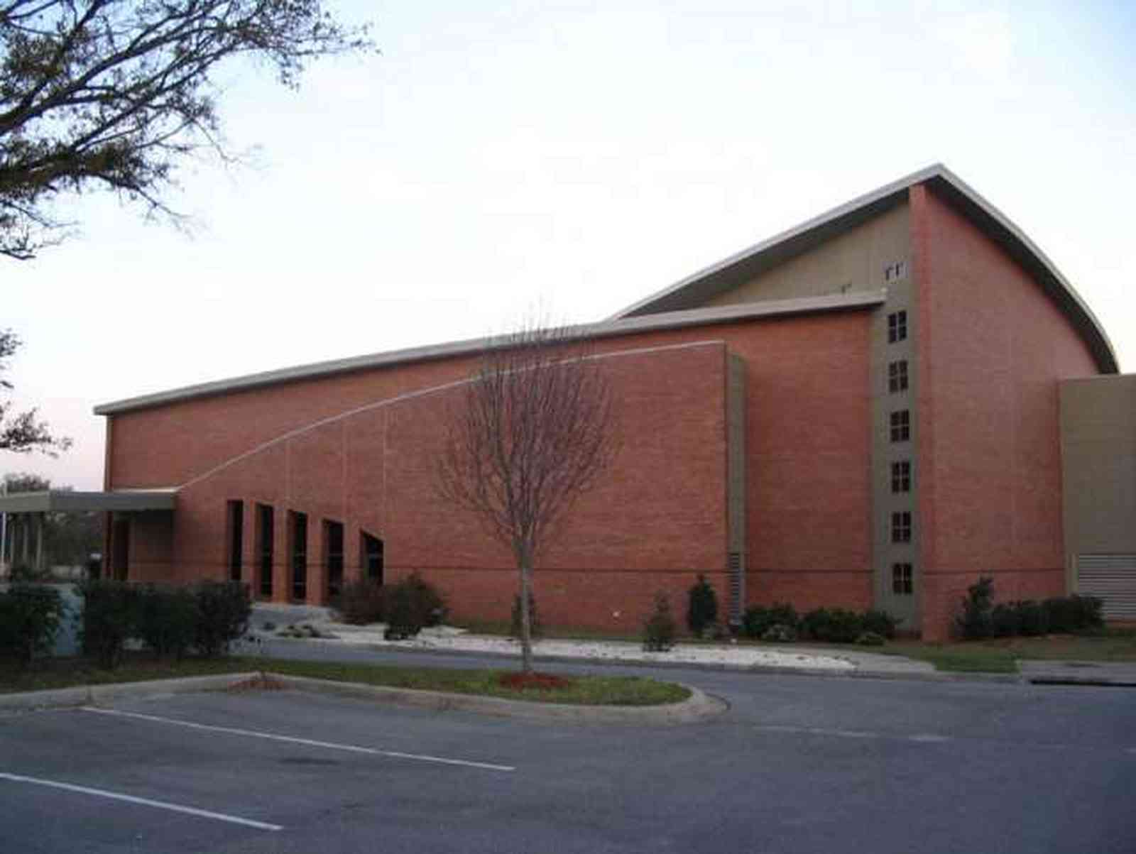 Pensacola:-Hillcrest-Baptist-Church_04.jpg:  church, brick, 9 mile road, baptist, modern, contemporary