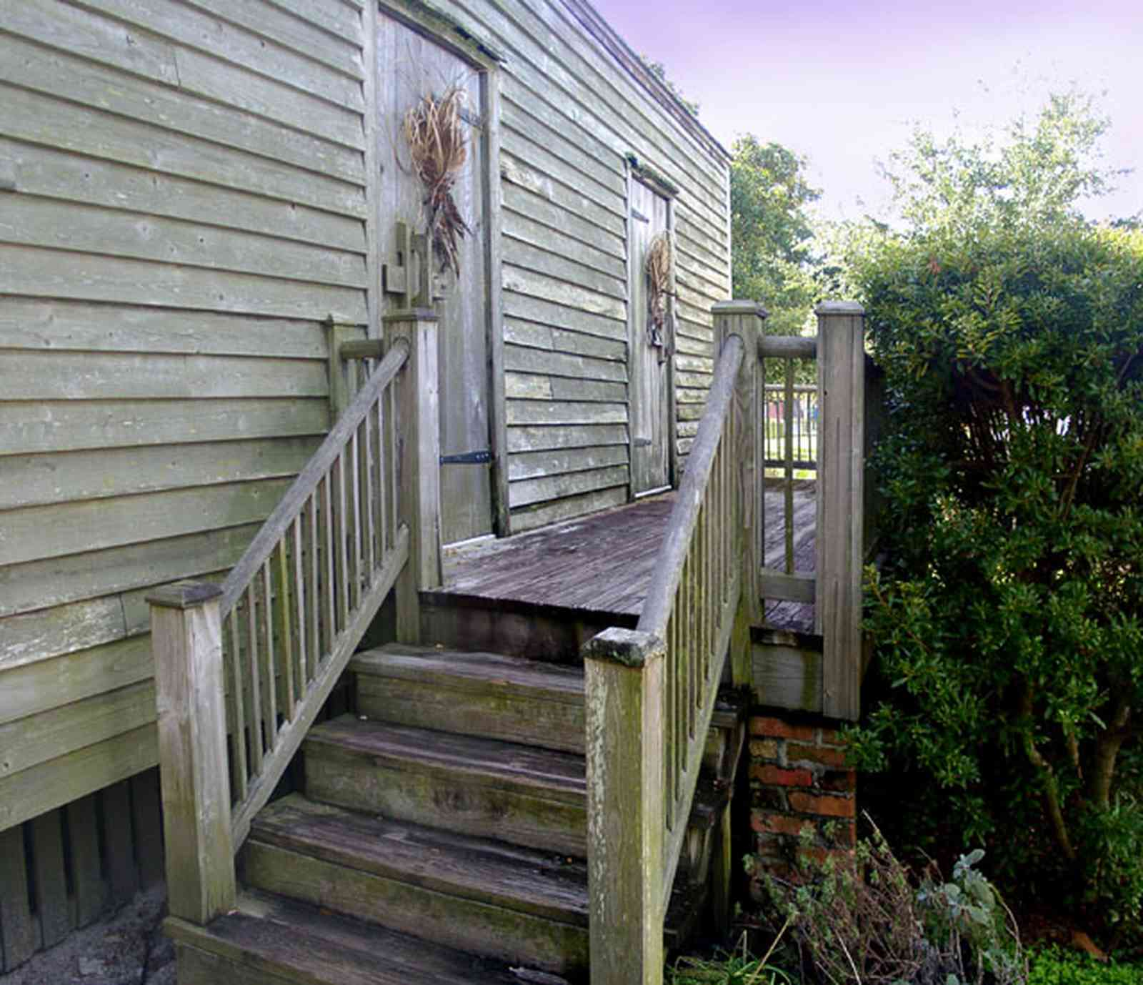 Pensacola:-Historic-Pensacola-Village:-Julee-Cottage_04.jpg:  porch, deck, pensacola historic village, slave quarters, victorian house, slave cottage, rough hewn wood