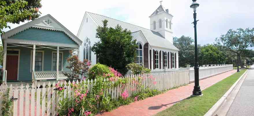 Pensacola:-Historic-Pensacola-Village:-Phieffer-House_02.jpg:  picket fence, brick sidewalk, shotgun cottage, dorr house, old christ church, seville square, magnolia tree