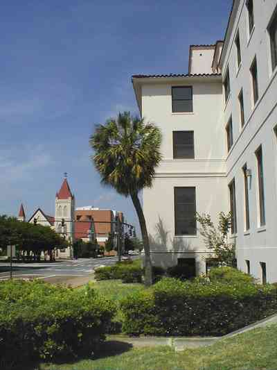 Pensacola:-Palafox-Historic-District:-Old-Federal-Courthouse_03.jpg:  courthouse, palafox street, st. michael\