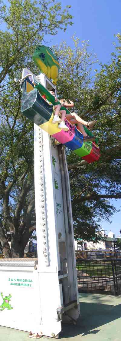 Pensacola:-Sams-Fun-City_09.jpg:  amusement park, frog hopper