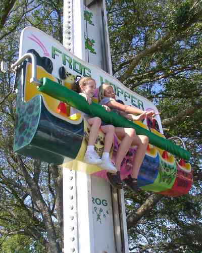Pensacola:-Sams-Fun-City_10a.jpg:  amusement park, frog hopper
