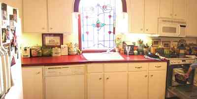 Pensacola:-Seville-Historic-District:-227-East-Intendencia-Street_09.jpg:  folk victorian, stained glass window, kitchen, joyce bray