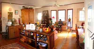 Pensacola:-Seville-Historic-District:-227-East-Intendencia-Street_12.jpg:  folk victorian house, kitchen, antique kitchen items