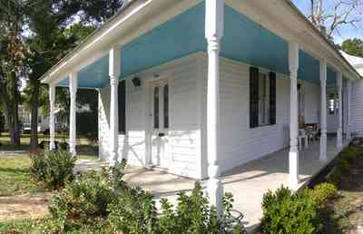 Pensacola:-Seville-Historic-District:-326-East-Intendencia-Street_06.jpg:  victorian cottage, shutters, porch