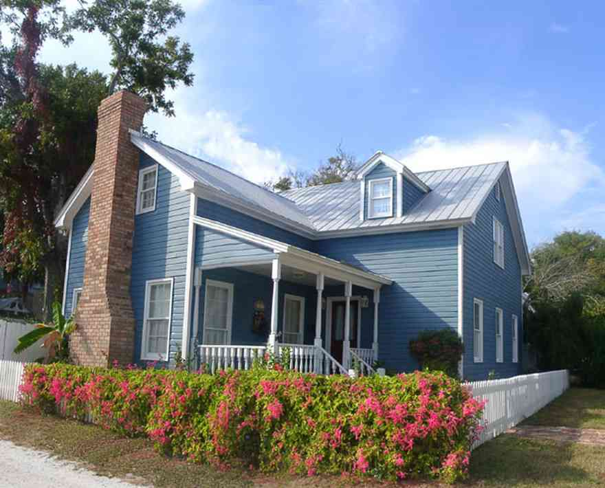 Pensacola:-Seville-Historic-District:-411-South-Florida-Blanca-Street_01.jpg:  victorian cottage