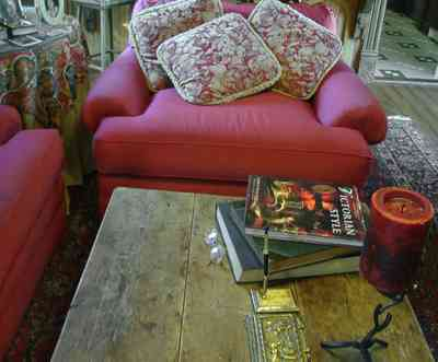 Pensacola:-Seville-Historic-District:-433-East-Zaragoza-Street_42.jpg:  victorian house, sofa, coffee table, oriental rug, wooden floors