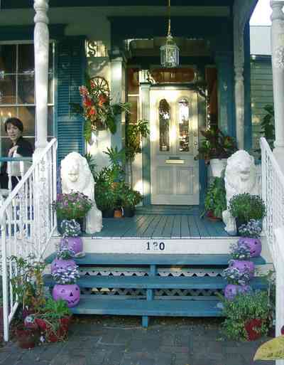 Pensacola:-Seville-Historic-District:-AuBre-International-Day-Spa_10.jpg:  spa, beauty salon, hair dresser, victorian cottage, shotgun house
