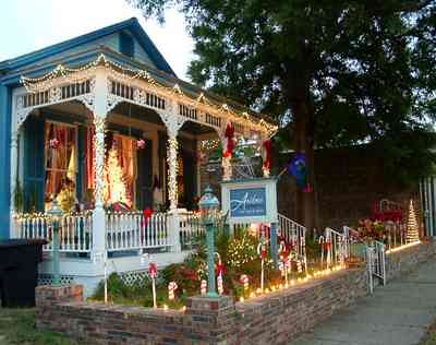 Pensacola:-Seville-Historic-District:-AuBre-International-Day-Spa_Aubrey_01.jpg:  christmas decorations, victorian cottage, shotgun cottage