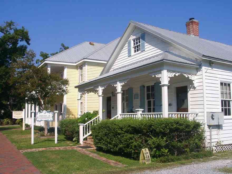 Pensacola:-Seville-Historic-District:-DeMaria-Law-Firm_03.jpg:  victorian cottage