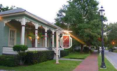 Pensacola:-Seville-Historic-District:-Jamies-Restaurant_02.jpg:  victorian cottage
