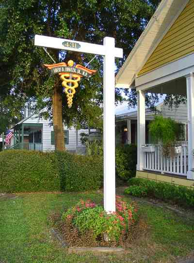 Pensacola:-Seville-Historic-District:-Louis-Fowler,-M.D._02.jpg:  medical practice, creole cottage