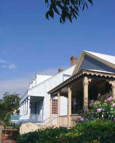 Pensacola:-Seville-Historic-District:-Rodney-L.-Rich-And-Company_02.jpg:  creole cottage, victorian shotgun, crepe myrtle