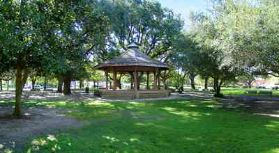 Pensacola:-Seville-Historic-District:-Seville-Square_11a.jpg:  gazebo, park, town square